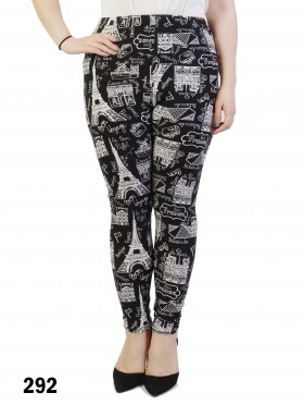 Plus Size Tourist Print Legging