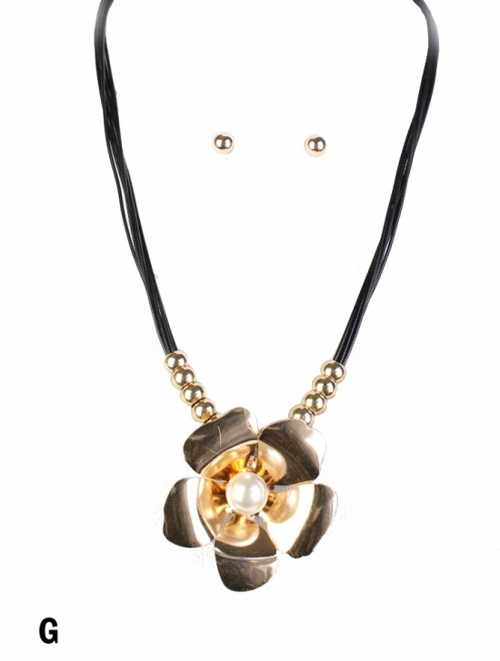 Multi-Rope Solid Flower Pendant Necklace & Earring Set