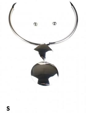 Circle/Square Pendant Necklace & Earring Set