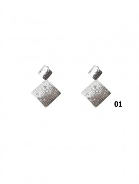 TEXTURE SQUARE CLIP-ON EARRINGS